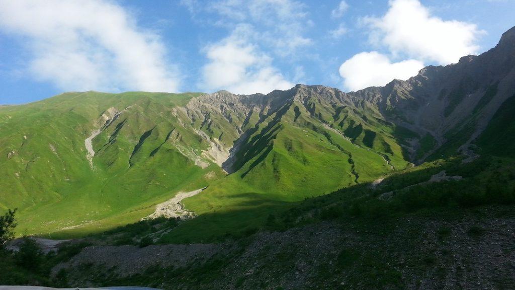 mountains-948703_1920