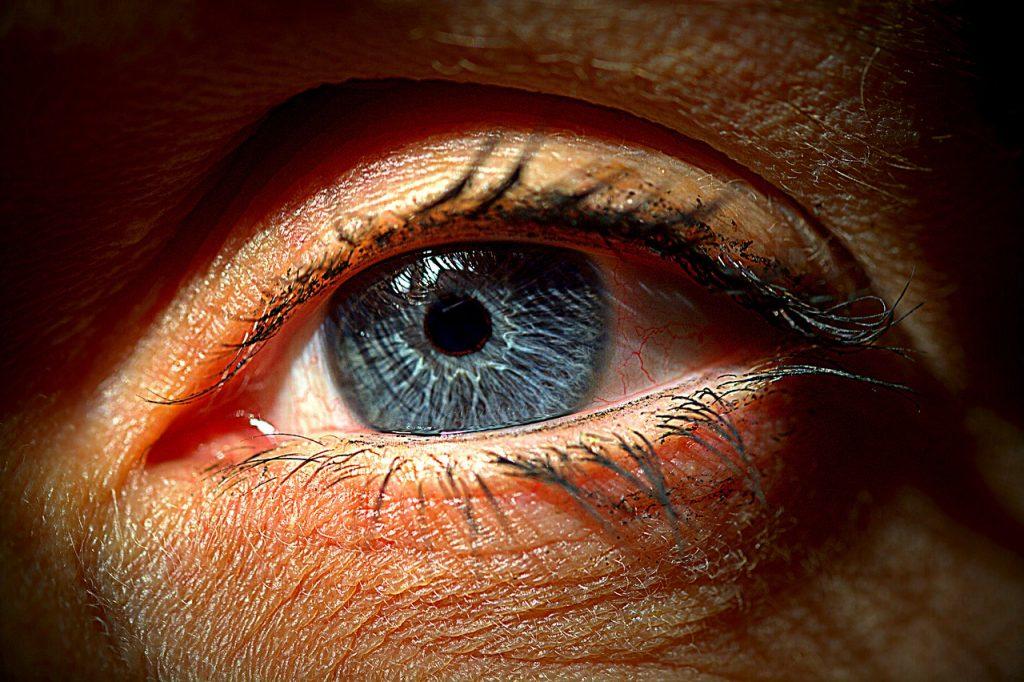 eye-1986661_1280